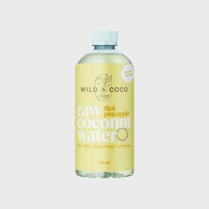 Raw kokosová voda s ananasovým džusem