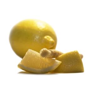 Siwak - přírodní zubní kartáček s příchutí citronu pro svěží chuť ve vašich ústech