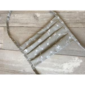 Meera Design Ochranná rouška ze 100% bavlny - bílé kvítky (1 ks)