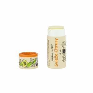 Kvitok Balzám na rty Svěží citrusy (8 ml) dodává jemně chladivý pocit